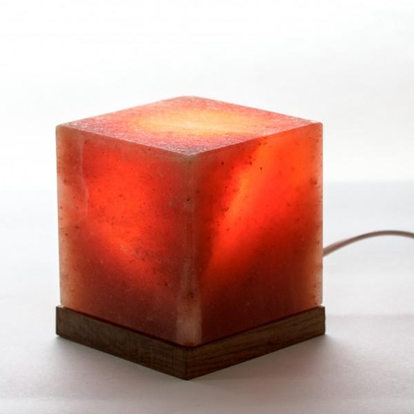 Luminária Cubo Base de Madeira Natural Wonder